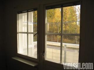 10.30 - tömmer fönster i väntan på målare