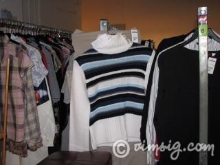 massor av kläder