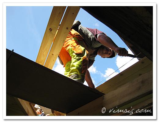 Mattias fixar tak för fullt