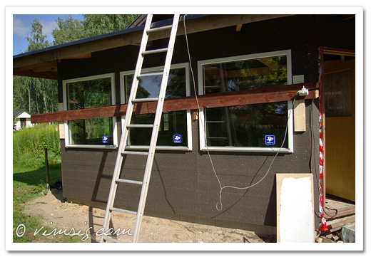 alla fönster i köket på plats. altandörr kommer v.38.