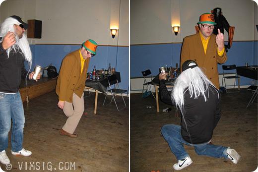 Mats och Anders shakar lös på dansgolvet