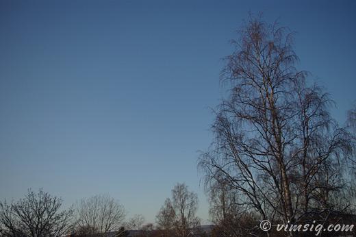 blå vinterhimmel