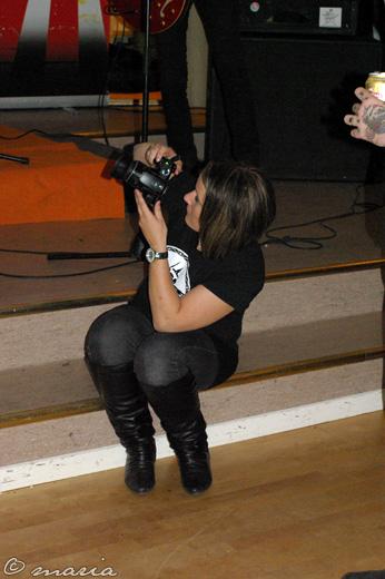 Vi bloggare är kufiska människor med kamerorna i högsta hugg... *ler*