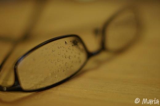 blöta glasögon