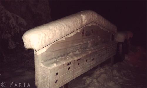 snö med handavtryck