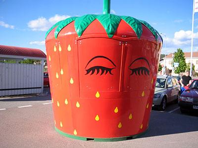 en jordgubbe för jordgubbsförsäljning